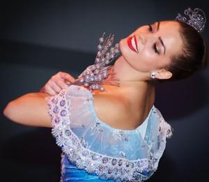 Girl Dancing 04