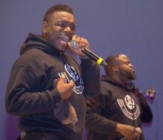 Sensere merges gospel with Motown-era soul.
